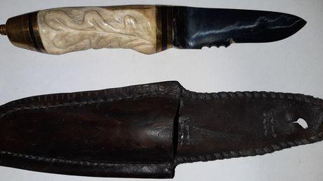 Nóż myśliwski z poroza rzeźba