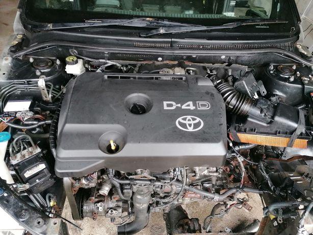 Toyota avensis 2.2 150hp d4d silnik