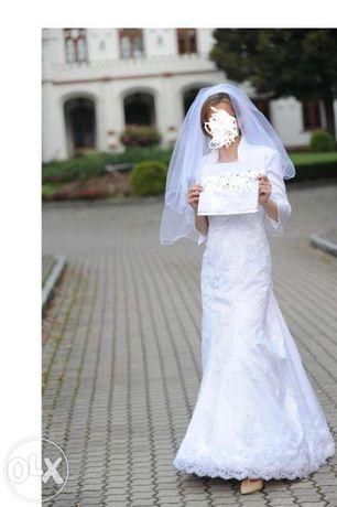Suknia ślubna IMAN koronkowa ma tren gratis welon jak nowa