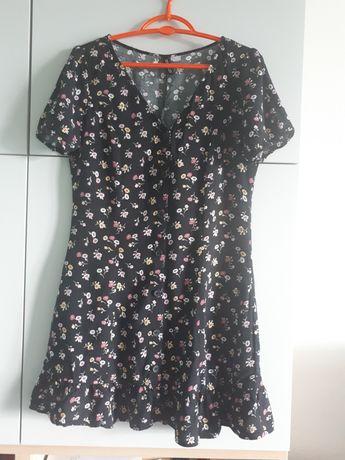 Czarna sukienka w kwiatki Divideo rozm.40