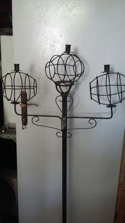 2 porta velas pretos com pé