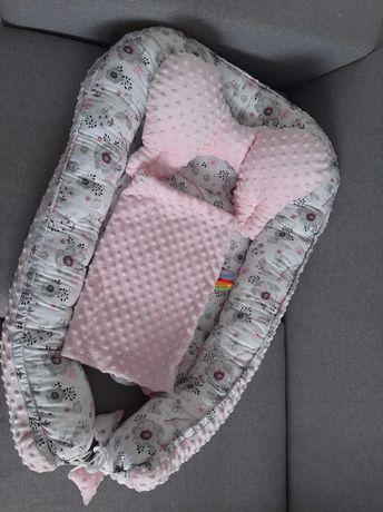 Kokon niemowlęcy z poduszką i kocykiem