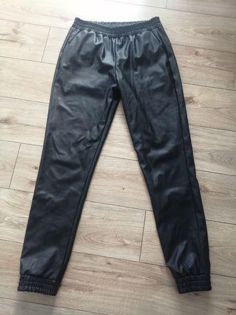 Spodnie ekoskora M/L