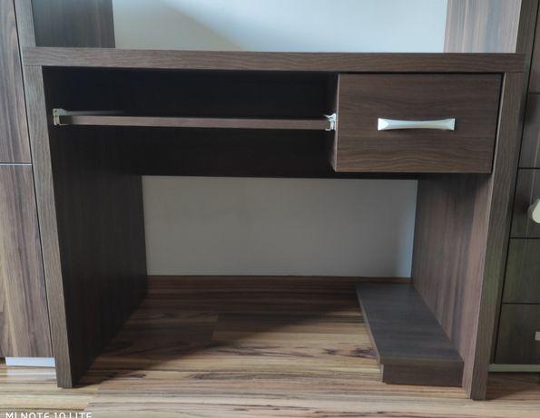 Sprzedam biurko.