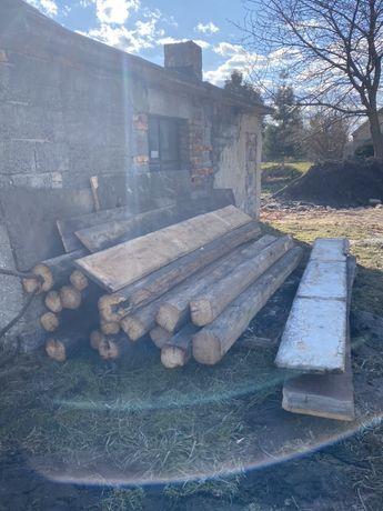Stare drewno, stara więźna. Drewno z rozbiórki