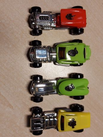 Машинки киндер 4 шт