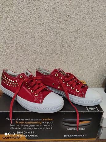 Туфли, кроссовки женские