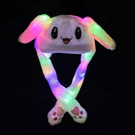 Карнавальная шапка с подсветкой: белый зайчик с поднимающимися ушами