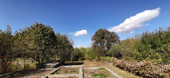 Продам земельну ділянку в гарному тихому місці, в центрі Чернівців