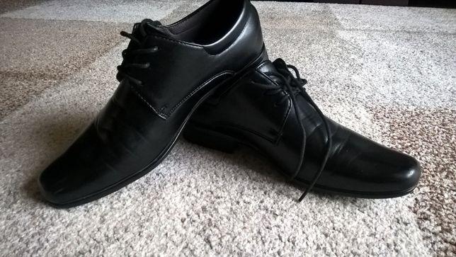 Pantofle chłopięce rozmiar 38