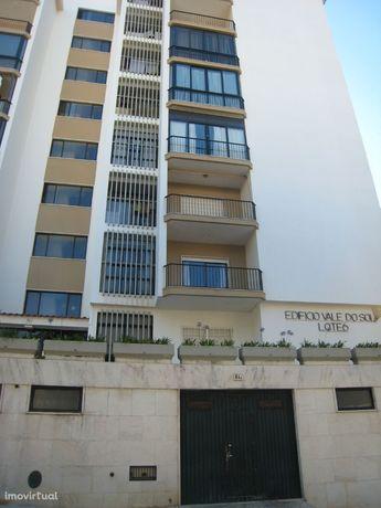 Apartamento T1 - Monte Estoril com Terraço