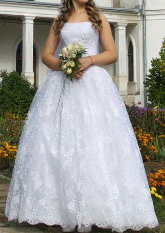 Срочно! Свадебное платье 46-48р, б/у 1 раз, не венчанное