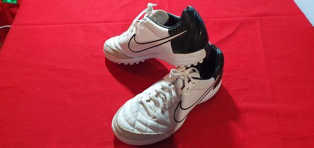 Кроссовки, футбольная обувь
