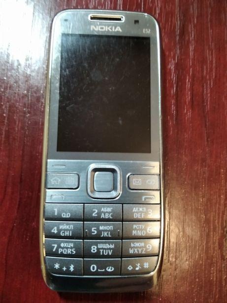 телефон Nokia E52