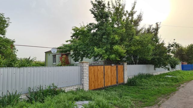 Продам гарний великий будинок в селі Казначеївка Магдалинівський район