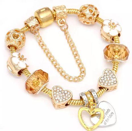 Bransoletka modułowa pandorka z charmsami lovely hearts gold