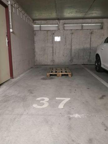 Wynajmę garaż, miejsce parkingowe.