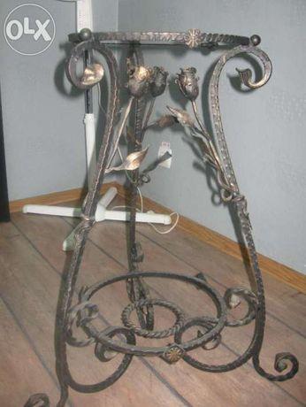 мини столик из металла срозами