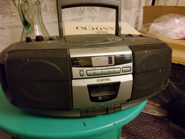 Radio Aiwa typu boombox z odtwarzaczem CD oraz na kasety.