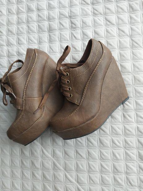Buty botki na koturnie 36 nowe