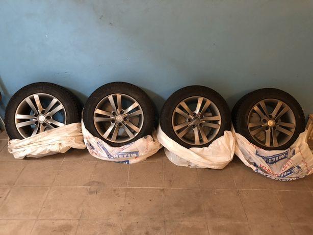 Продам резину 225/55/R16 Michelin X Ice Xi 3 з дисками 5*120