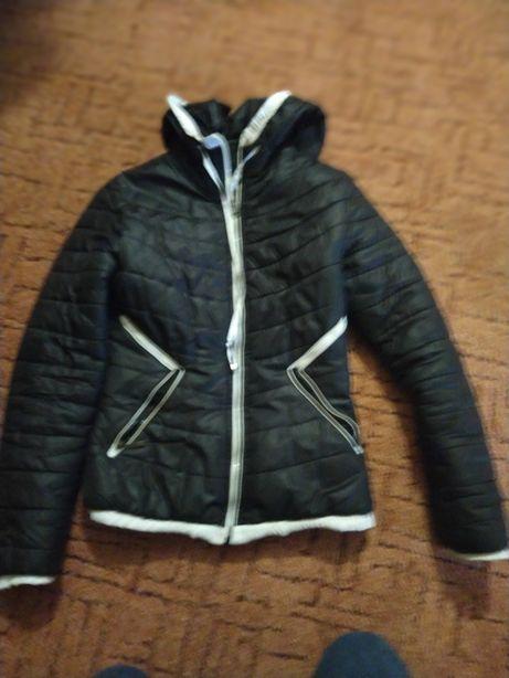 Куртка осінь женская