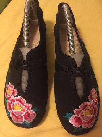 Sapatos Senhora, pretos com bordados, 39
