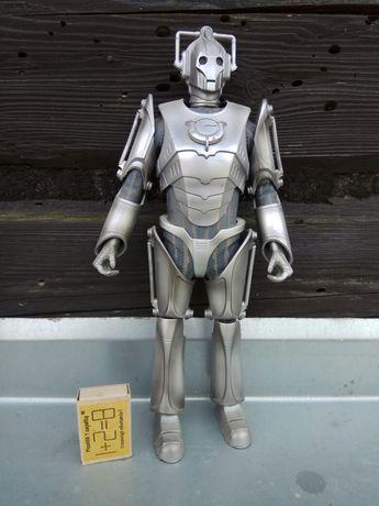 Cyberman BBC World Wide limited 1963,2006 35 cm figurka