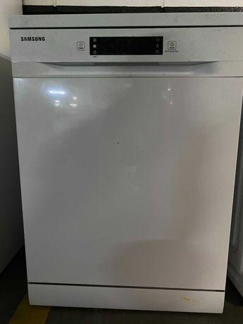 Excelente Máquina de Lavar Loiça