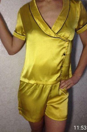 Новая , крутая пижама . Очень приятная у телу.  Размер 44-48. Дополнит