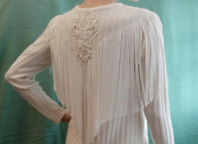 Трендовое белое платье