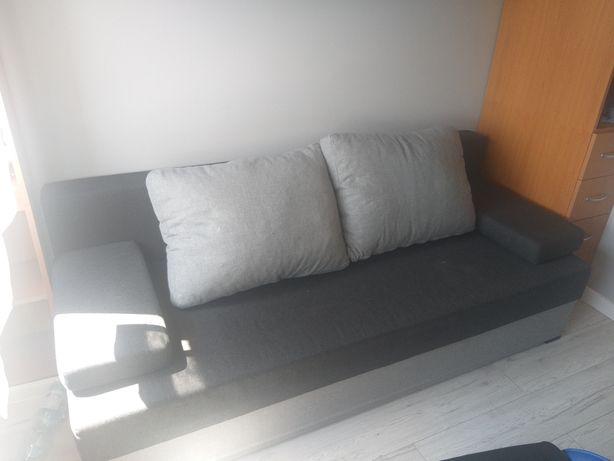 Rozkładana sofa,łóżko  w dobrym stanie