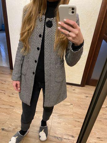Пальто піджак плащ розмір ХС С