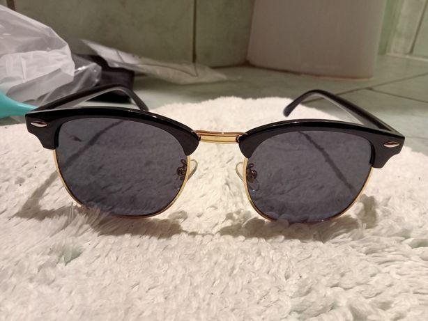 Okulary przeciwsłoneczne czarne złote noski nowe szmatka