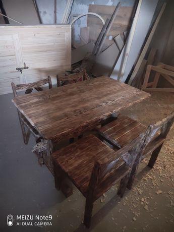 Комплект стол и стулья под старину
