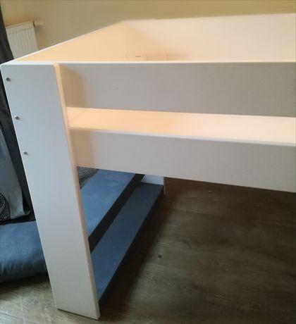 Łóżko na konsoli pietrowe