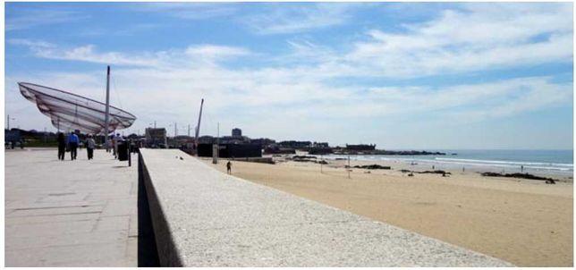 T2+1 a 150 m da praia em Matosinhos Sul