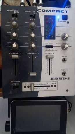 Sistema de som JVC e mesa de mistura JBSYSTEMS