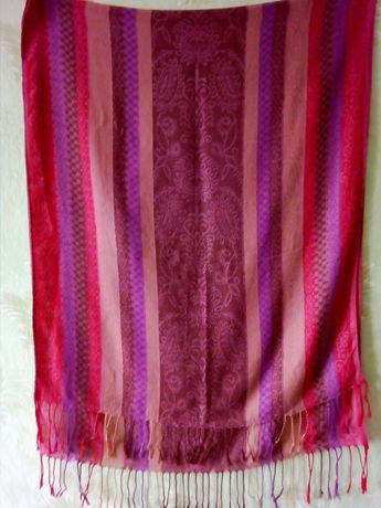 Красивый в бордово-коричневых тонах шарф -палантин