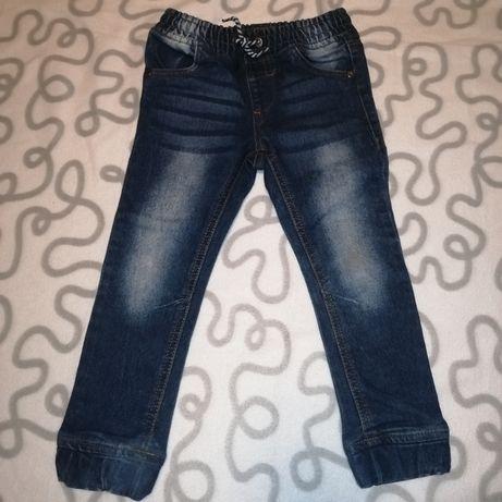 Spodnie jeansy joggersy niebieskie przecierane