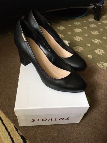 Кожаные фирменные туфли Stoalos