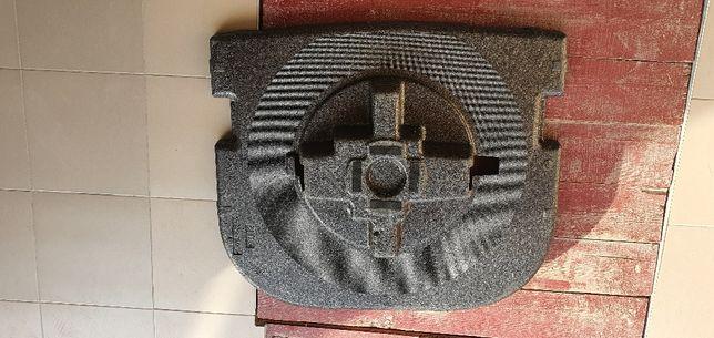Подіум пінопласт в багажник тойота камрі  50