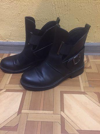 Продам ботинки женские демисезонные 37р