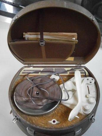 Радиограммофон Волга 1959 г.в. (модель 1957)