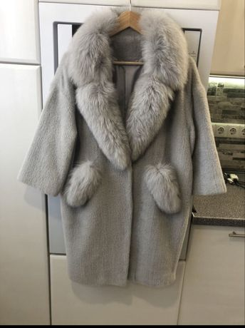 Красивое меховое пальто