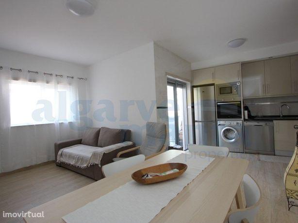 Apartamento T0+2 moderno num condomínio privado de constr...