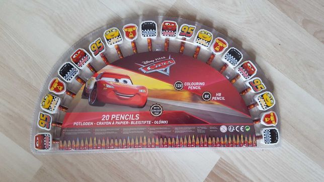 nowy zestaw kredek i olowkow Auta Cars  zygzak McQueen