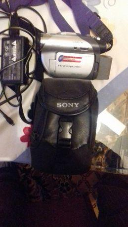 Відеокамера DCR-DVD105E