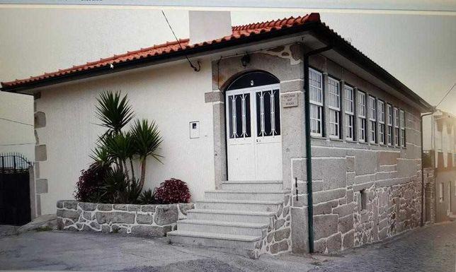 Moradia Bem Localizada com Quintal 560m2 - Darque
