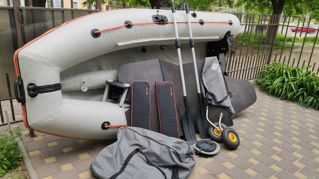 лодка Kolibri KM-330DL + мотор Parsun 5.8